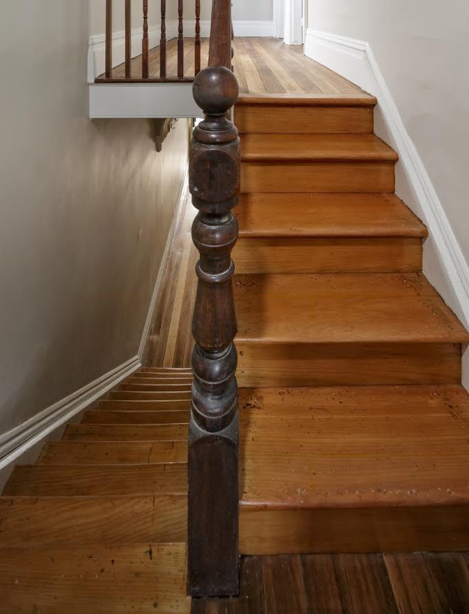STR2 Timber Stair Restoration Hobart